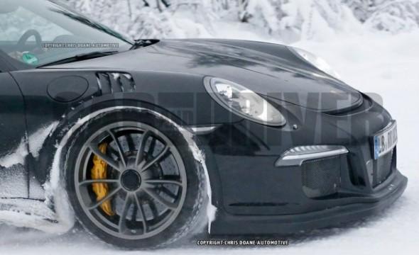 2016-Porsche-911-GT3-RS-spy-photo-111-626x382